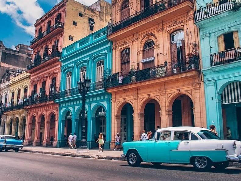 voyage à Cuba sur-mesure La Havane voitures anciennes