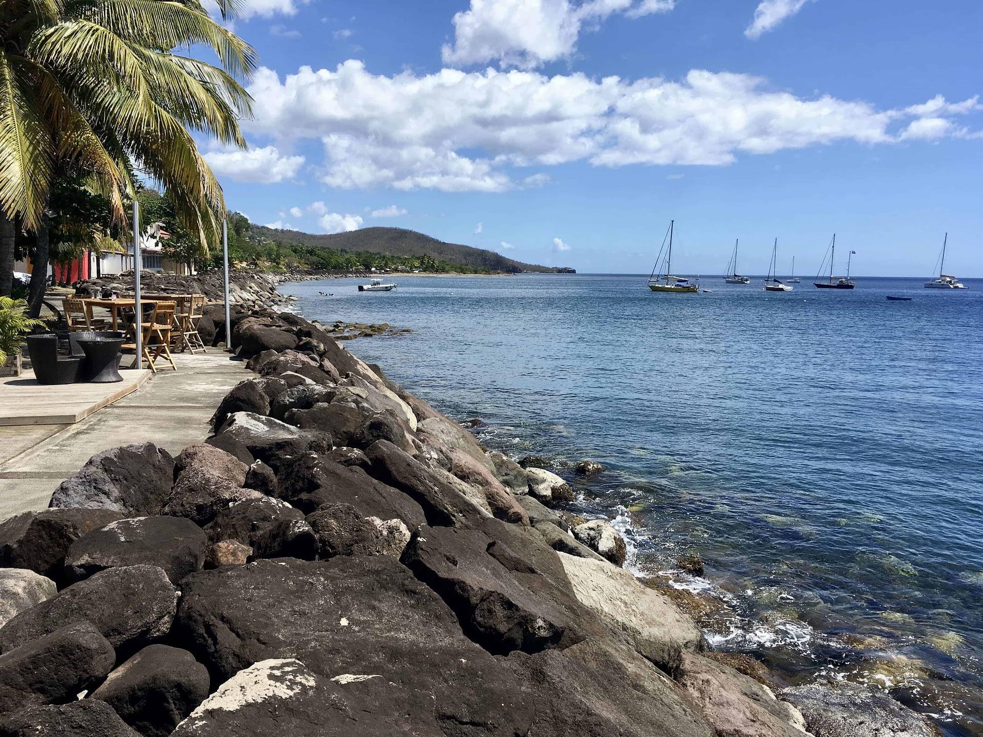 voyage aux Antilles : jacuzzi naturel à Bouillante en Guadeloupe