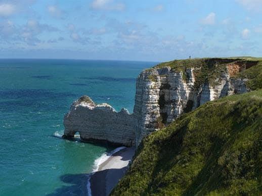 Voyage en famille surprise falaises Etretat Normandie