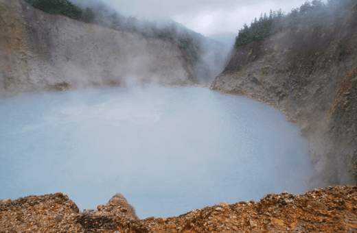 boiling lake trek Dominique