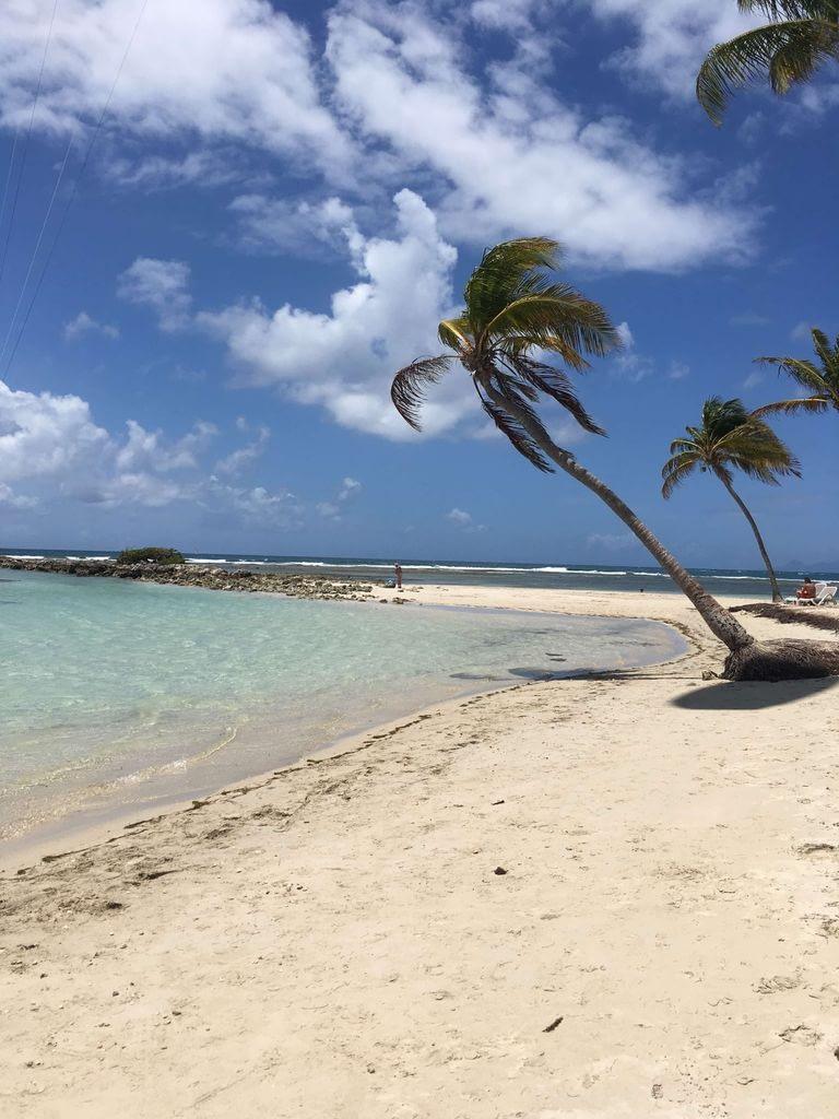 voyage de luxe plage paradisiaque