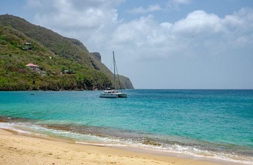 Bequia ile grenadines voyage plage paradis bateau privé