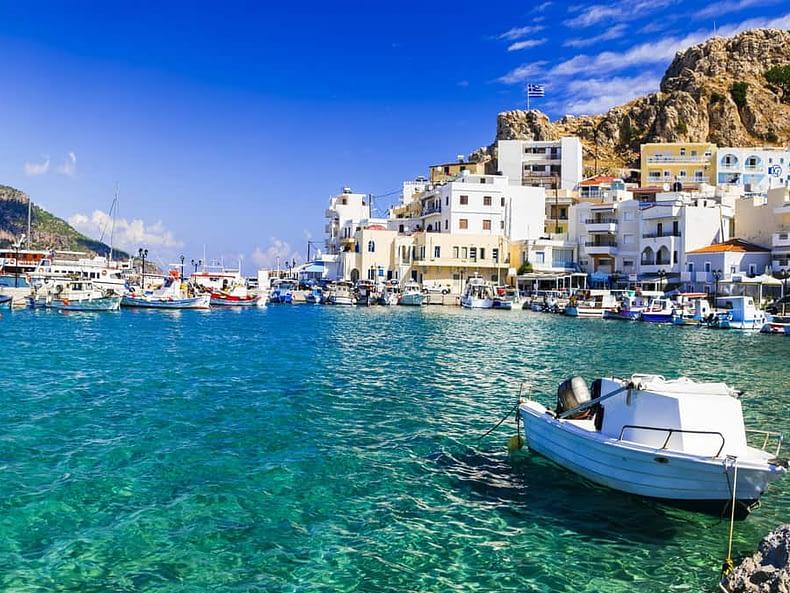Horizons secrets et préservés - bateau mer turquoise voyage surprise
